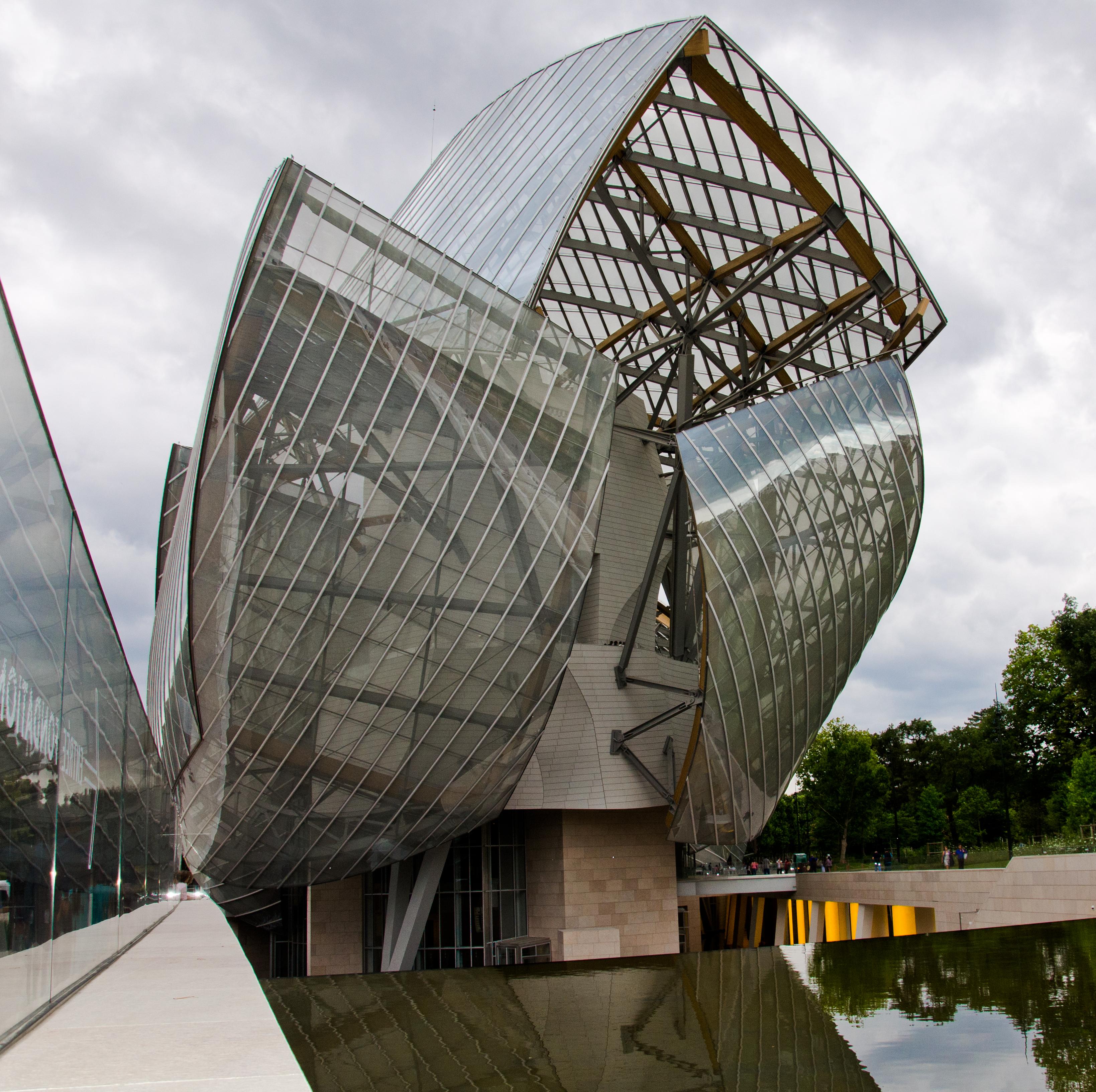 Una de las fachadas de la Fundación Louis Vuitton