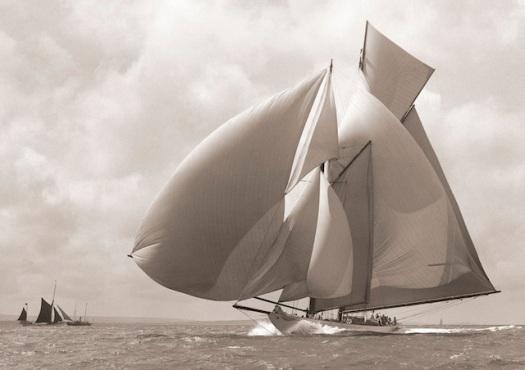 Yate Susanne. La fotografía fue tomada por Ken Beken, en 1911.
