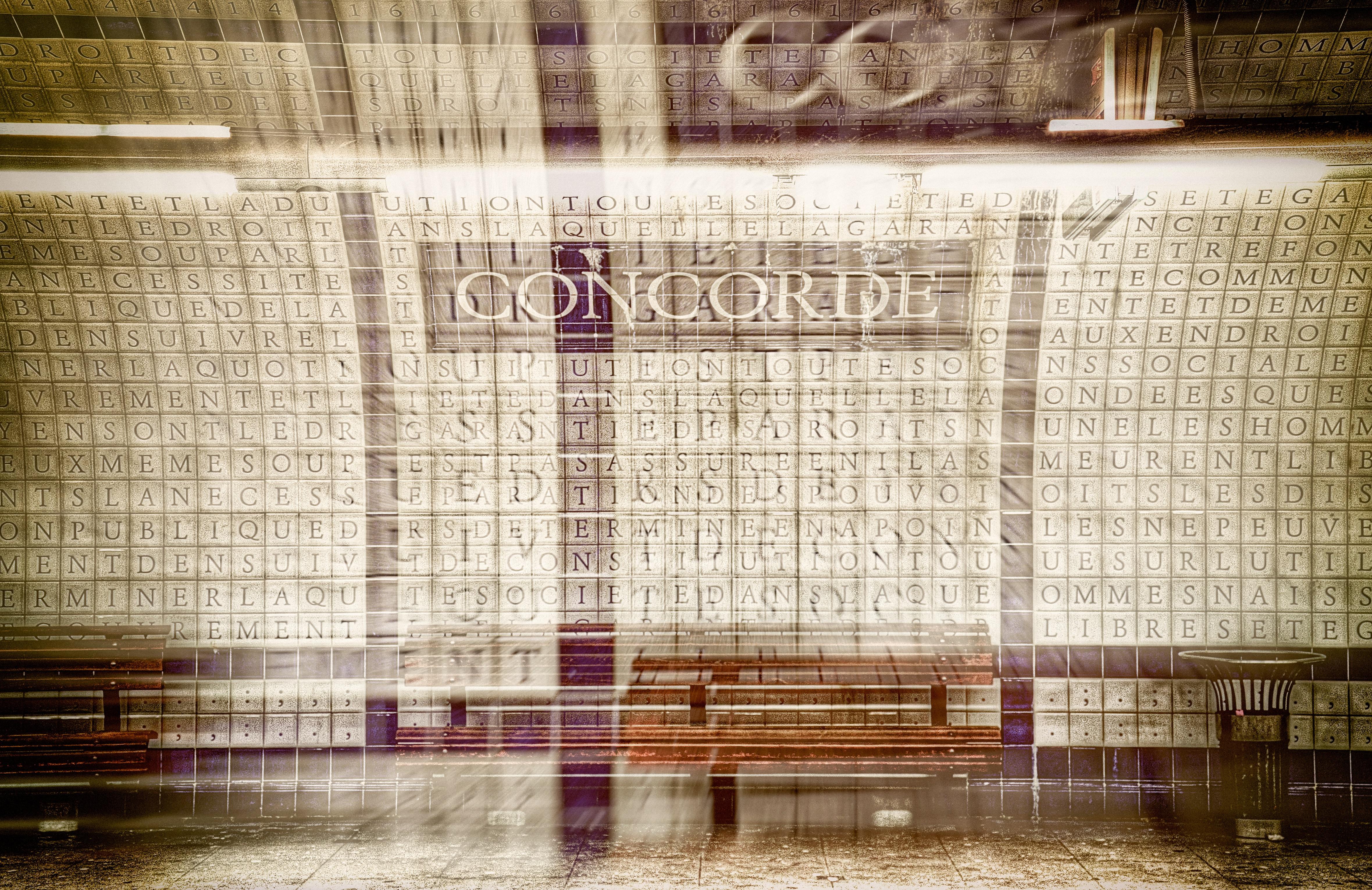 Banca en la estación Concorde.